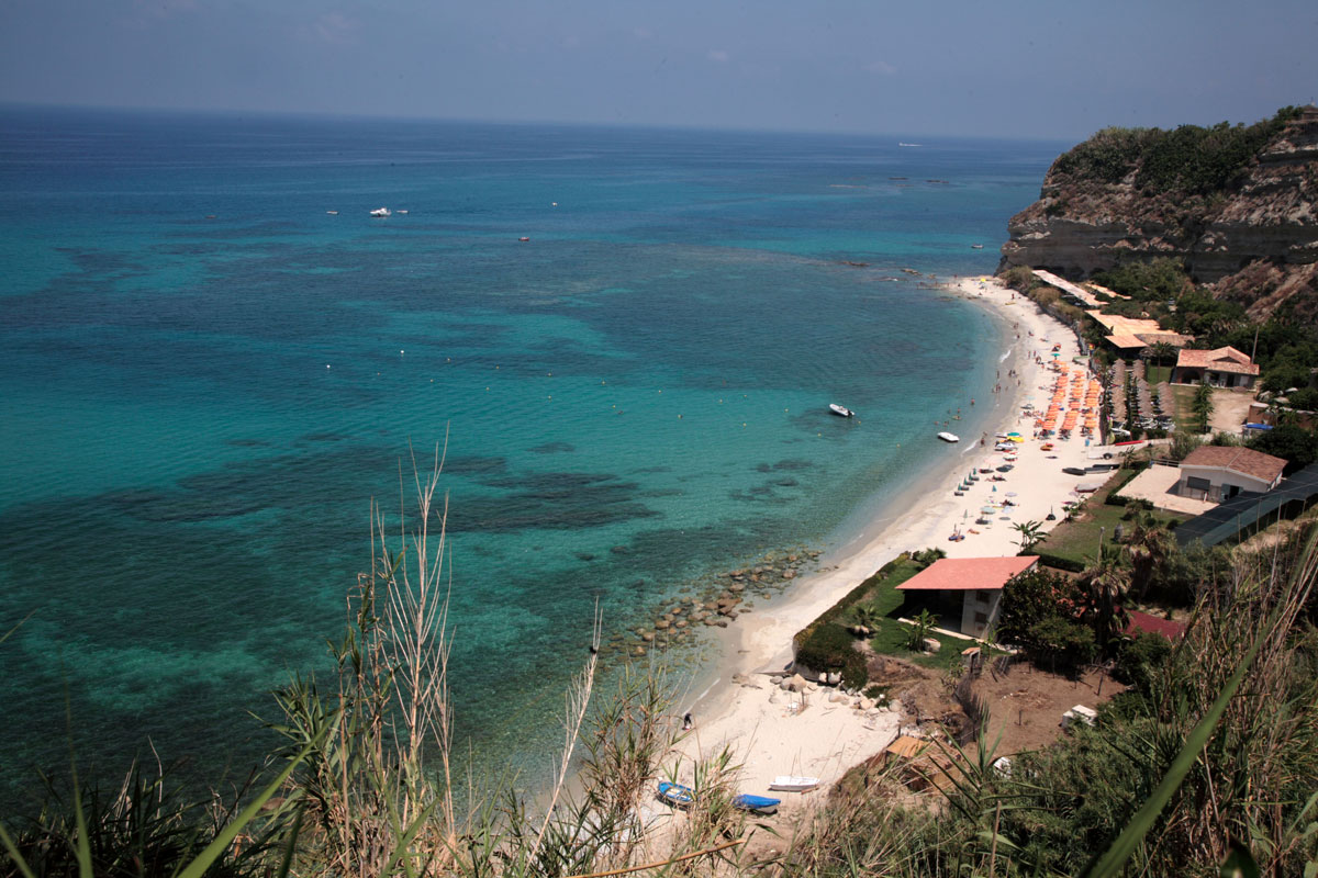 Spiaggia Torre Marino Santa Domenica