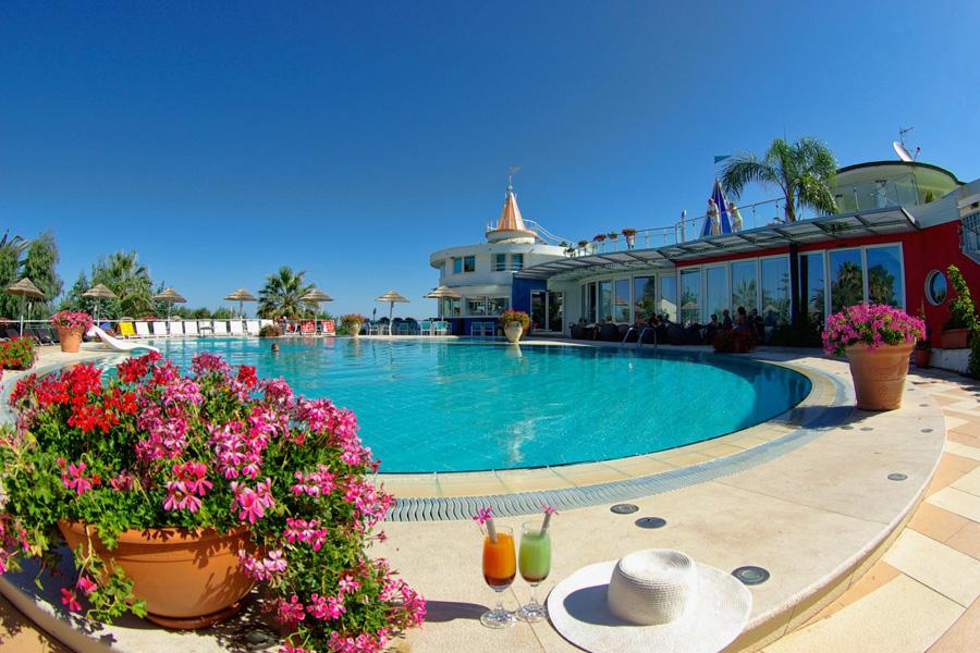 Piscina hotel Stromboli
