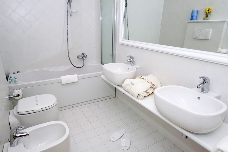 8_Bagno_-Junior-Suite