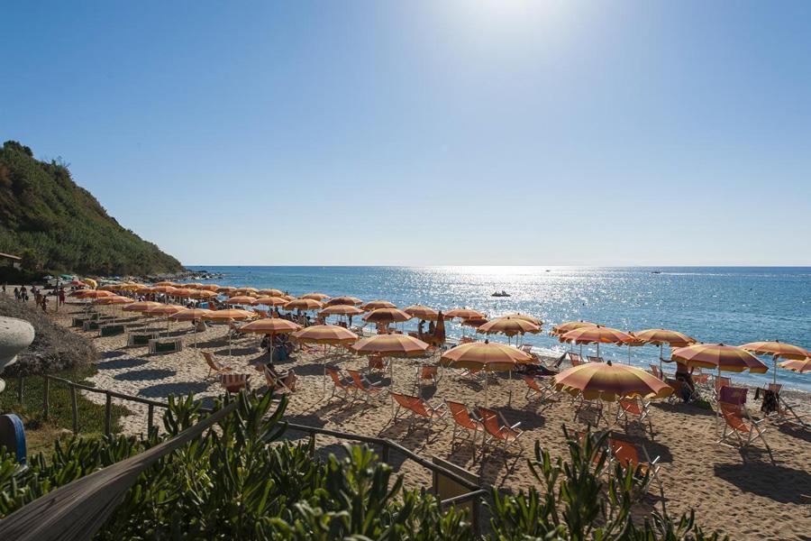 hotel stromboli spiaggia